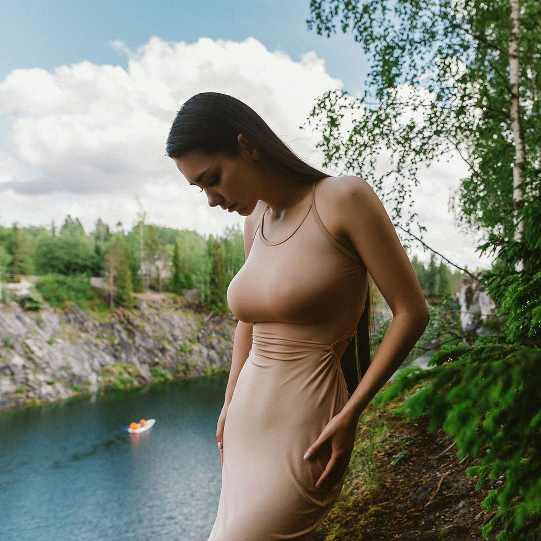 Helga-Lovekaty-Wallpapers-Insta-FIt-Bio-5