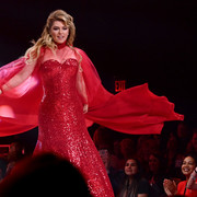 reddresscollection020520-getty-runway1