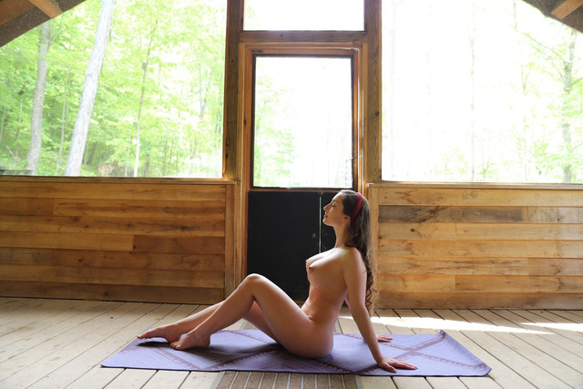 abbyopel-15-05-2021-2110389137-Anyone-up-for-some-yoga-today-Clothing-optional-othing-optional-then