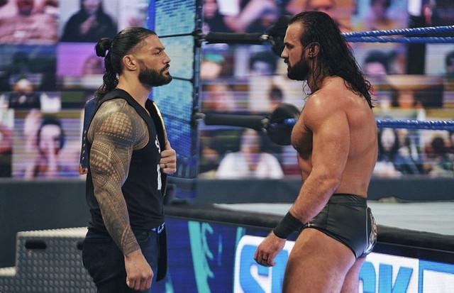 Careo entre Roman Reigns y Drew McIntyre