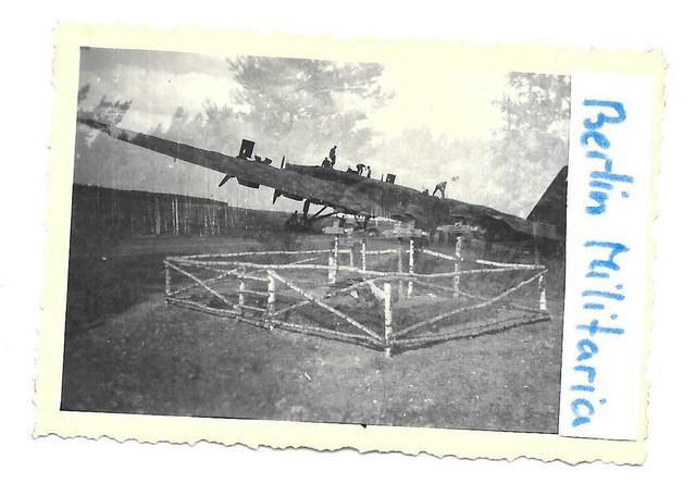 Foto-1942-Feldflughafen-Schatalowka-Beute-Bomber-bei