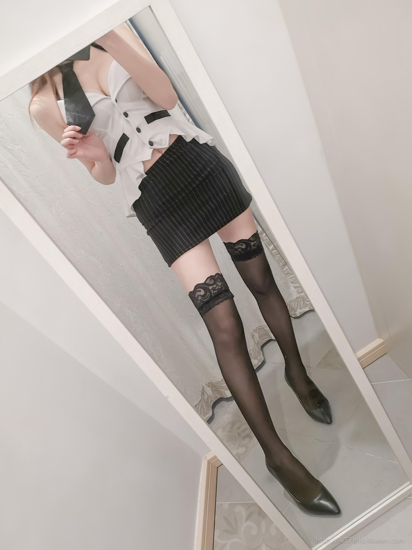 Tsubaki Album Selfie vol.002 Mini Hip Skirt Sexy Teacher 002