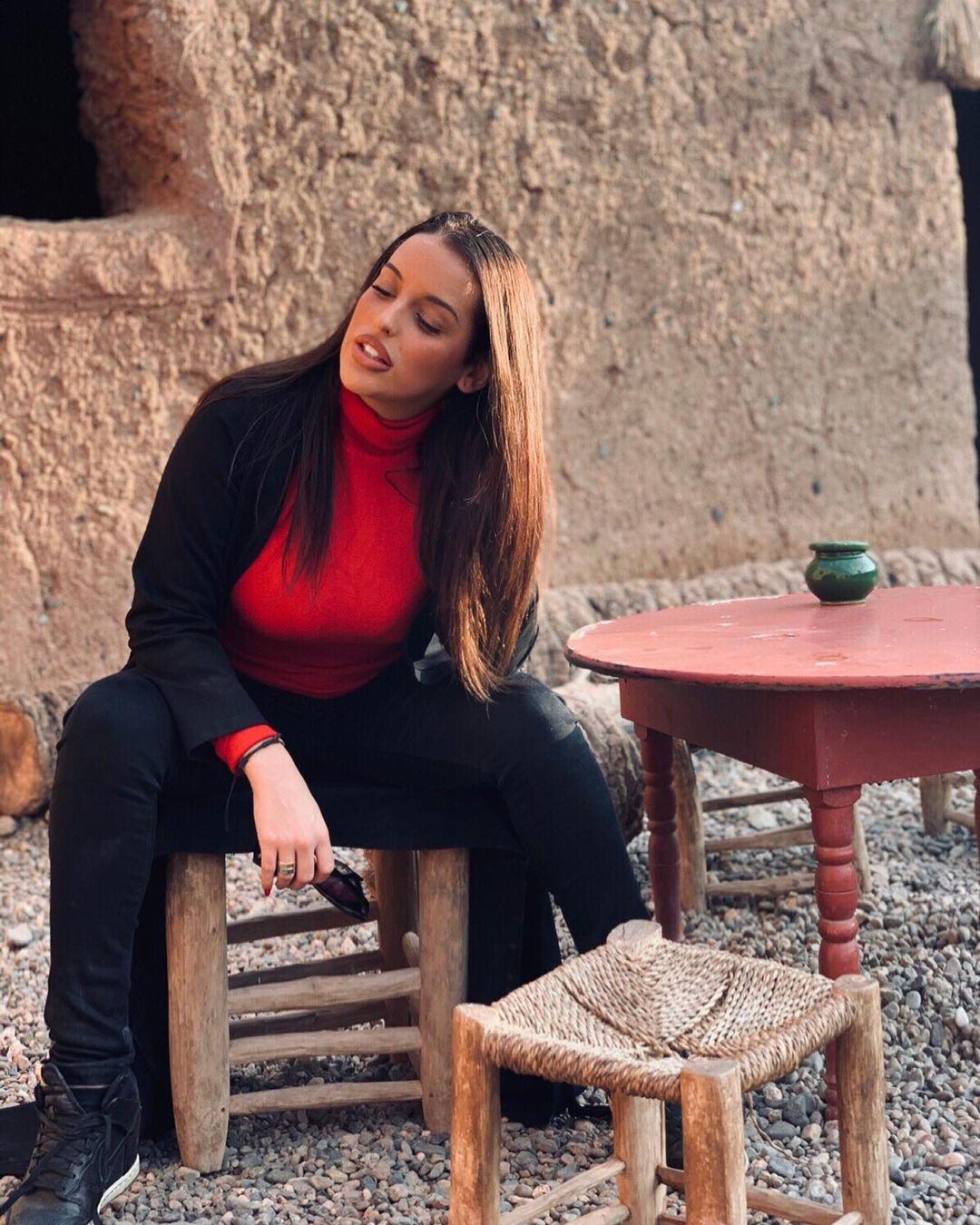 Elena-Barbato-Wallpapers-Insta-Fit-Bio-3