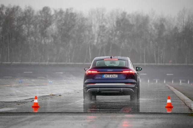 2020 - [Audi] E-Tron Sportback - Page 4 CE1-B2-C0-F-A3-D5-4213-B7-BC-9012-C9-D40-DC1