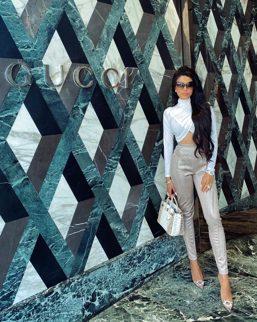 Leyla-Milani-Khoshbin-Wallpapers-Insta-Fit-Bio-3