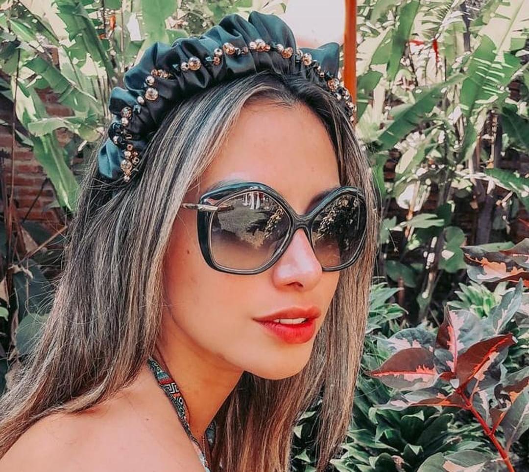 Alexia-Viruez-Wallpapers-Insta-Fit-Bio-5