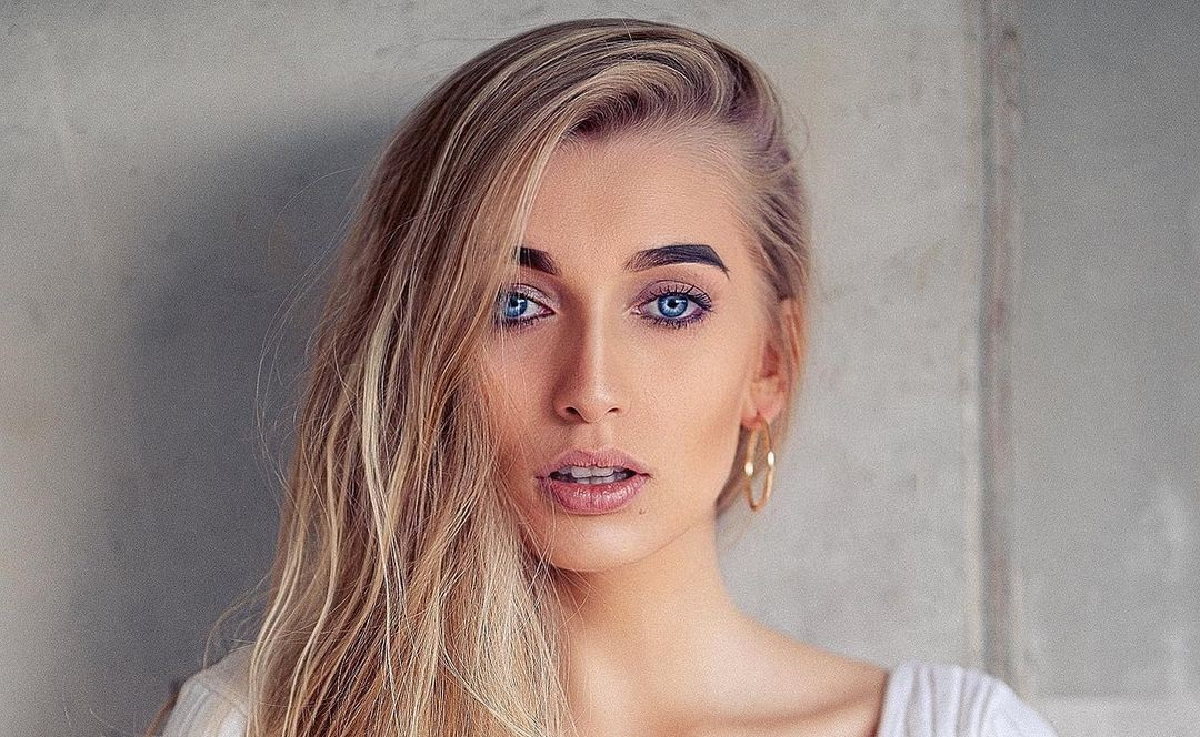 Aleksandra-Mucha-Wallpapers-Insta-Fit-Bio-12