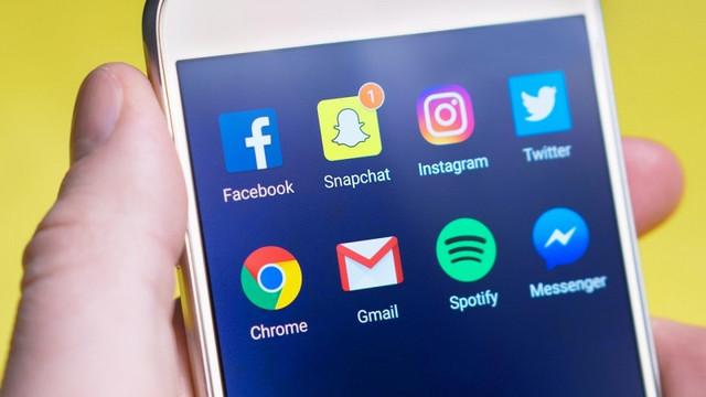 celular-aplicativos-e-mail-marketing-pequeno