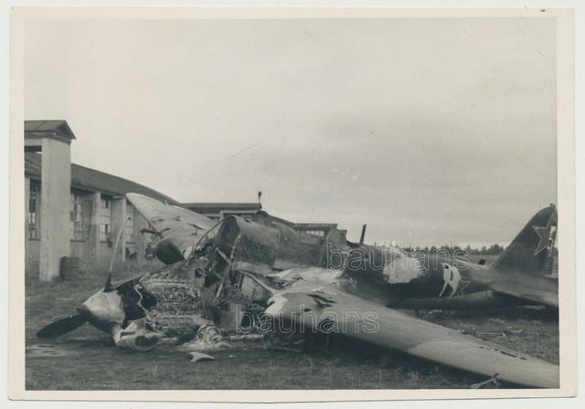 Foto-russisches-Flugzeug-abgeschossen-2-WK-4039