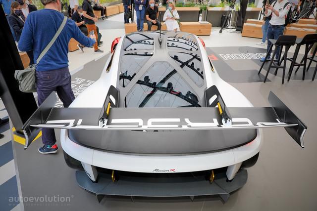 2021 - [Porsche] Mission R - Page 2 9-A05937-D-88-D8-4-DB6-9748-A23-EC7-A99742