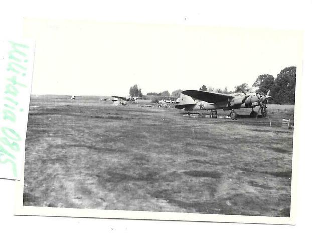 Foto-1942-Vormarsch-UDSSR-Russischer-Beute-Flugplatz