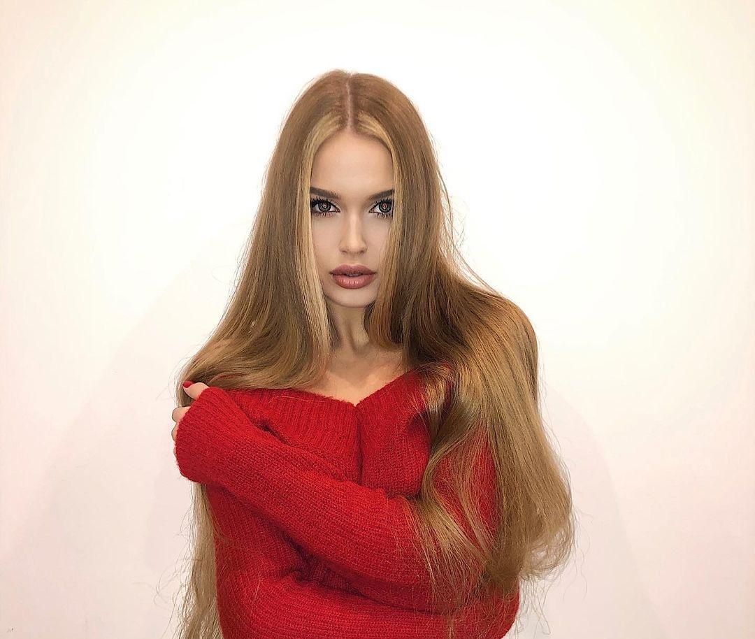 Angelina-Samokhina-Wallpapers-Insta-Fit-Bio-17