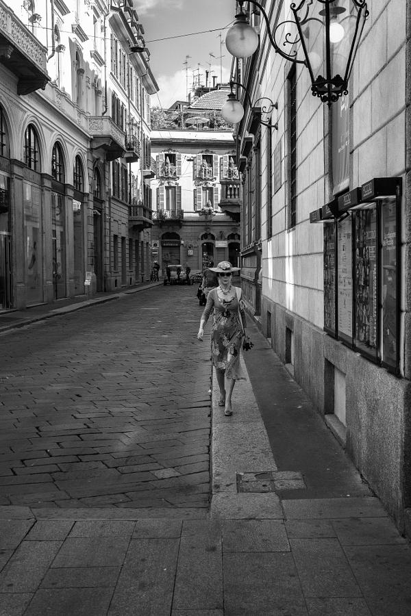 chernobelye ulichnye foto 17