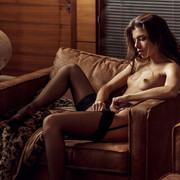 Chiara-Bianchino-Gentlemens-Club-by-Hannes-Walendy-8