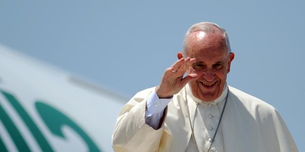 web3-pope-francis-plane-alitalia-marco-zeppetella-afp
