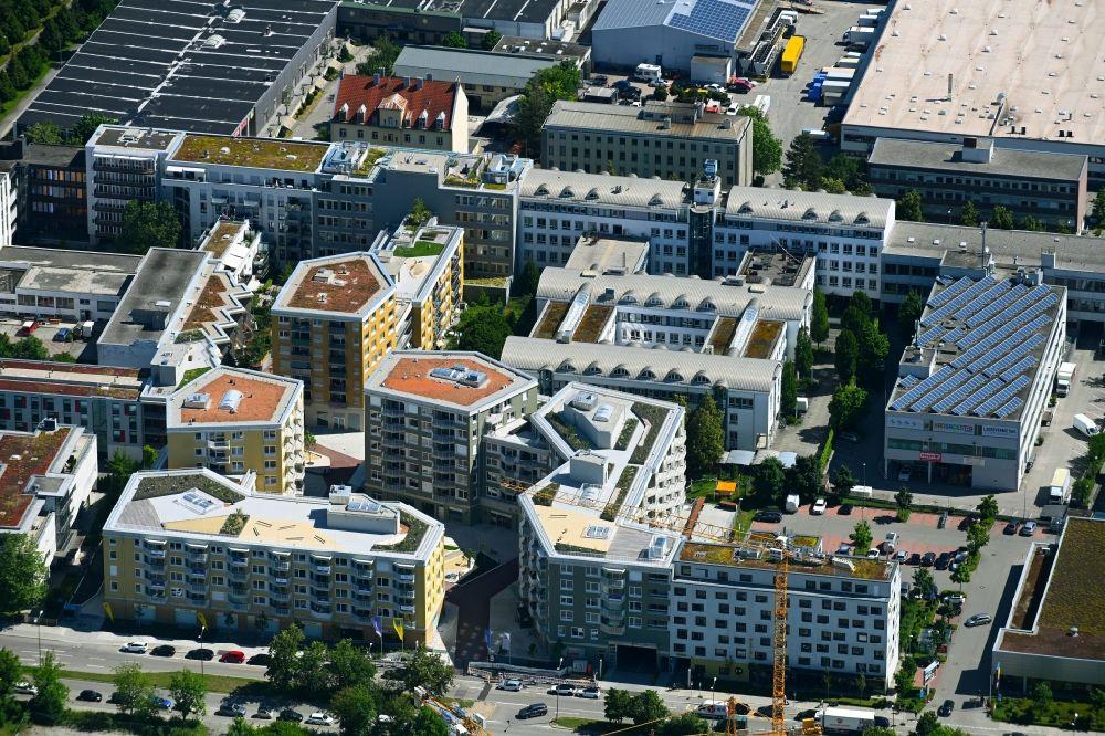 MNCHEN-06-07-2021-Mehrfamilienhaus-Wohnanlage-Tbinger-Strae-Hansastrae-im-Ortsteil-Sendling-Westpark.jpg