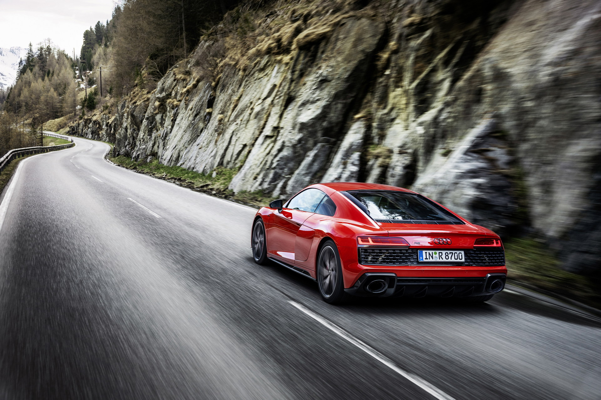 2022-Audi-R8-V10-Performance-RWD-10