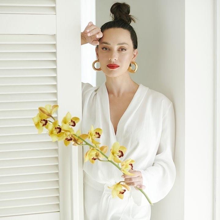 Anna-Aronov-Wallpapers-Insta-Fit-Bio-7