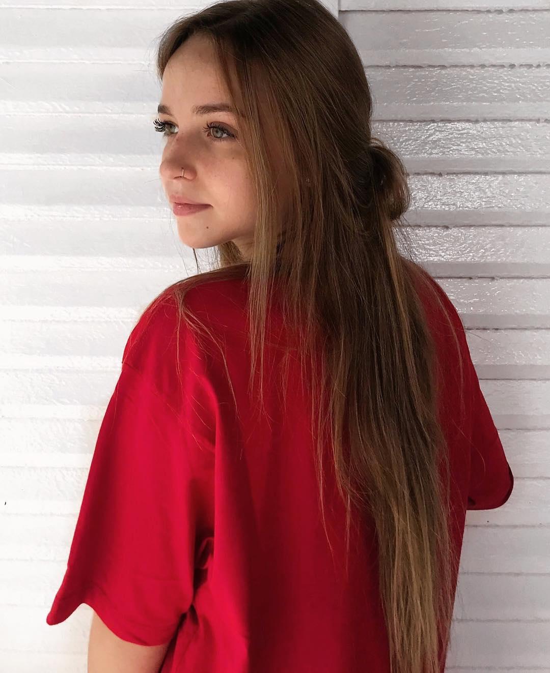 Raphaella-Bonaldi-Sobral-Wallpapers-Insta-Fit-Bio-5