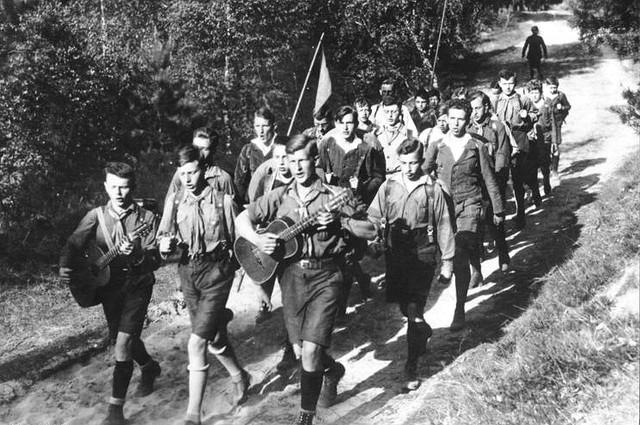 Bundesarchiv Bild 183 R24553 Gruppe des Wandervogels aus Berlin