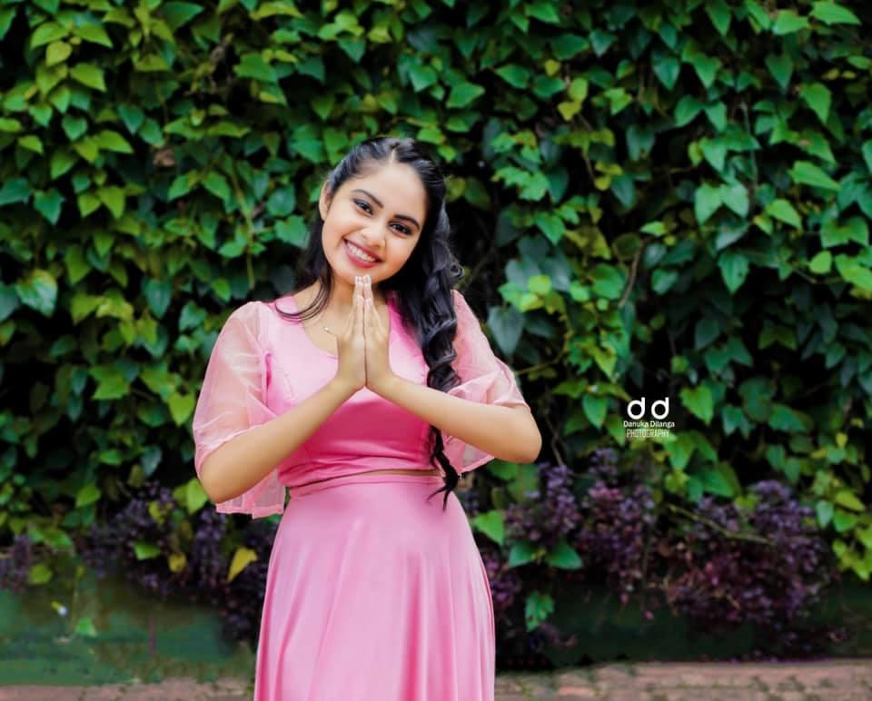 Yohani-Hettiarachchi-lanka-web-gossip-36
