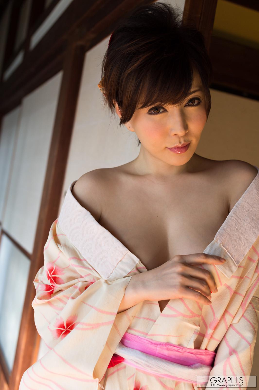 satomi-yuria-064