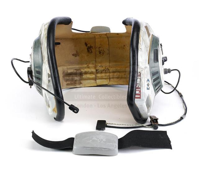 Prop-Store-Bwing-Helmet02.jpg