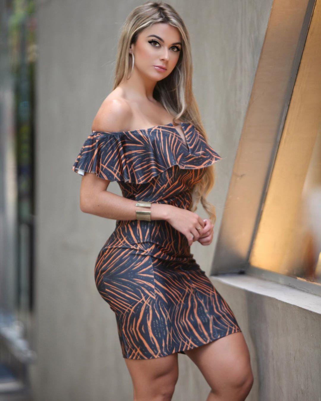 Amanda-Franca-Wallpapers-Insta-Fit-Bio-3