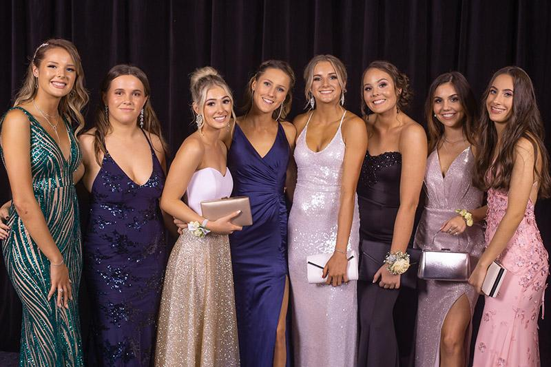 Tips To Have That Stunning Prom Night Look