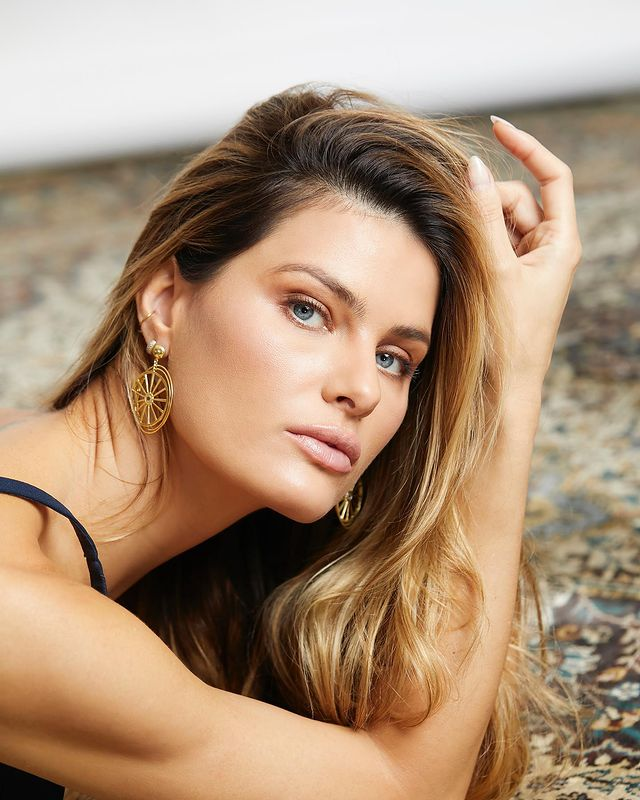 Photo-by-Isabeli-Fontana-in-S-o
