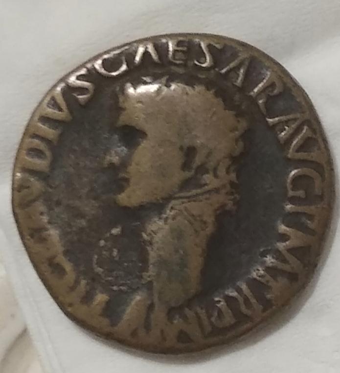 Dupondio de Claudio I. CERES AVGVSTA. Ceres sedente a izq. Roma IMG-20210327-030229
