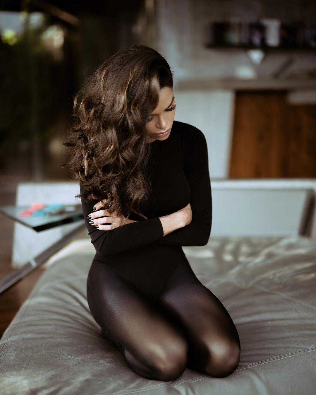 Christina-Dreaming-Wallpapers-7