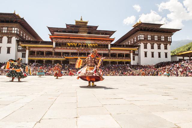 Bhutan-The-Land-of-Peaceful-Dragon-Tashichho-Dzong