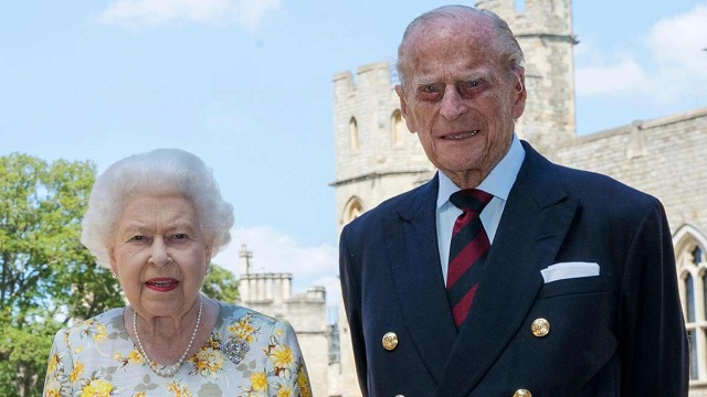 Ruler Charles Visits Queen Elizabeth II After Prince Philip's Death