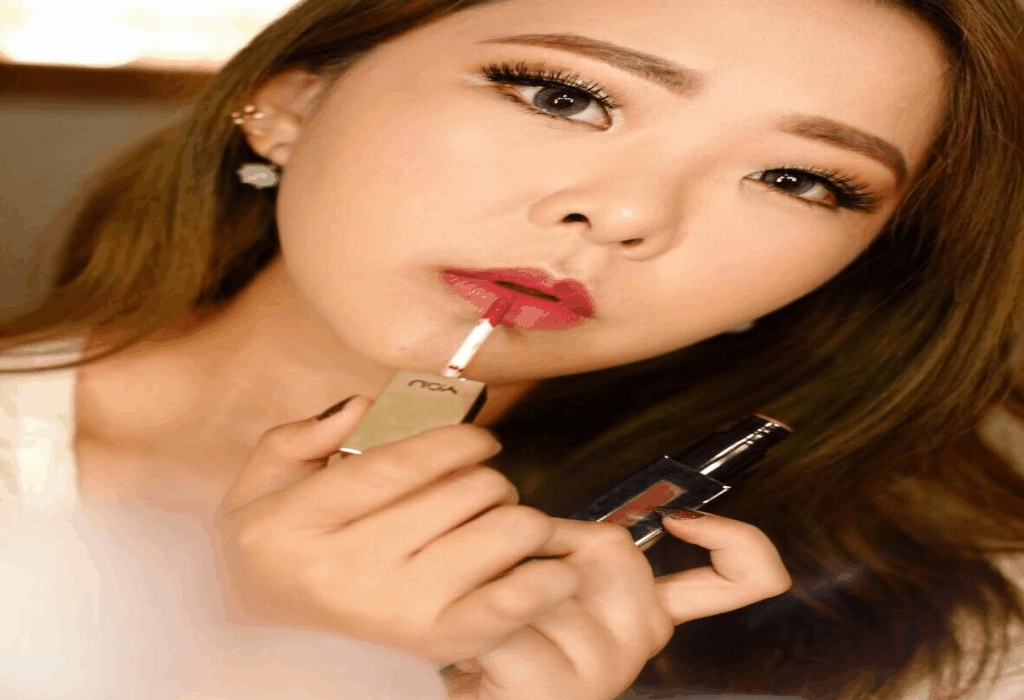 Cosmetic Beauty Woman