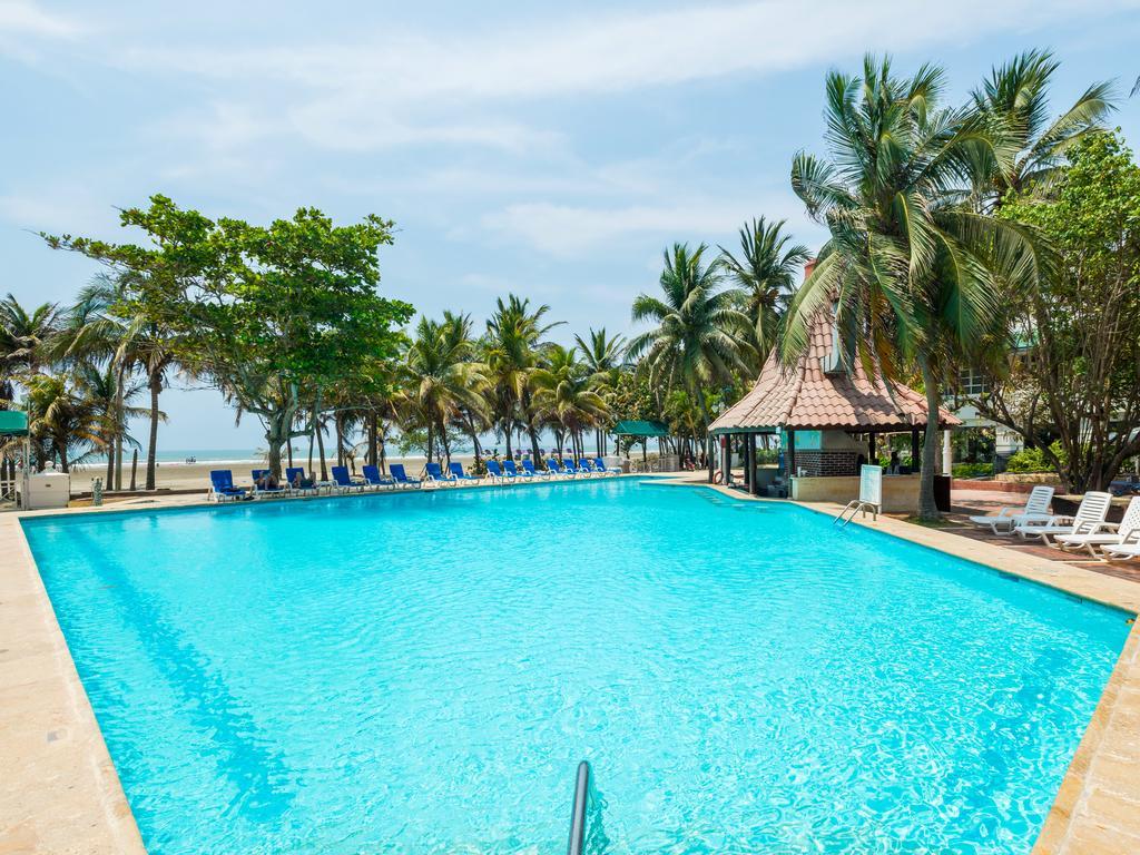 hotel-las-americas-casa-de-playa-piscina