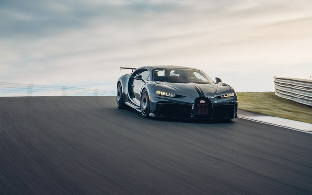 Premiers trajets en Bugatti Chiron Pur Sport 23-14-pur-sport-first-drives-jet-grey