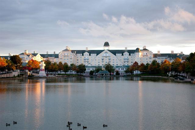 hotel-newport-maraton-paris-fachada-travelmarathon-es