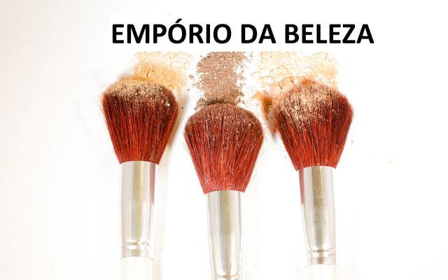 34434270-makeup-brush-1440