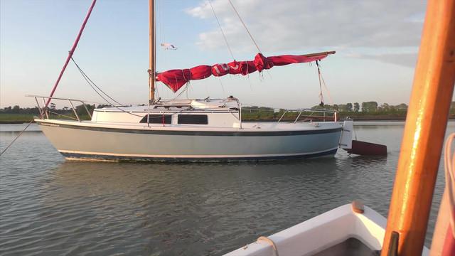 shallow-suffolk-sailing-Still012