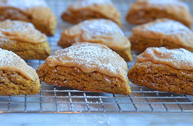 Pumpkin-Scones-with-Spiced-Pumpkin-Glaze2-768x500