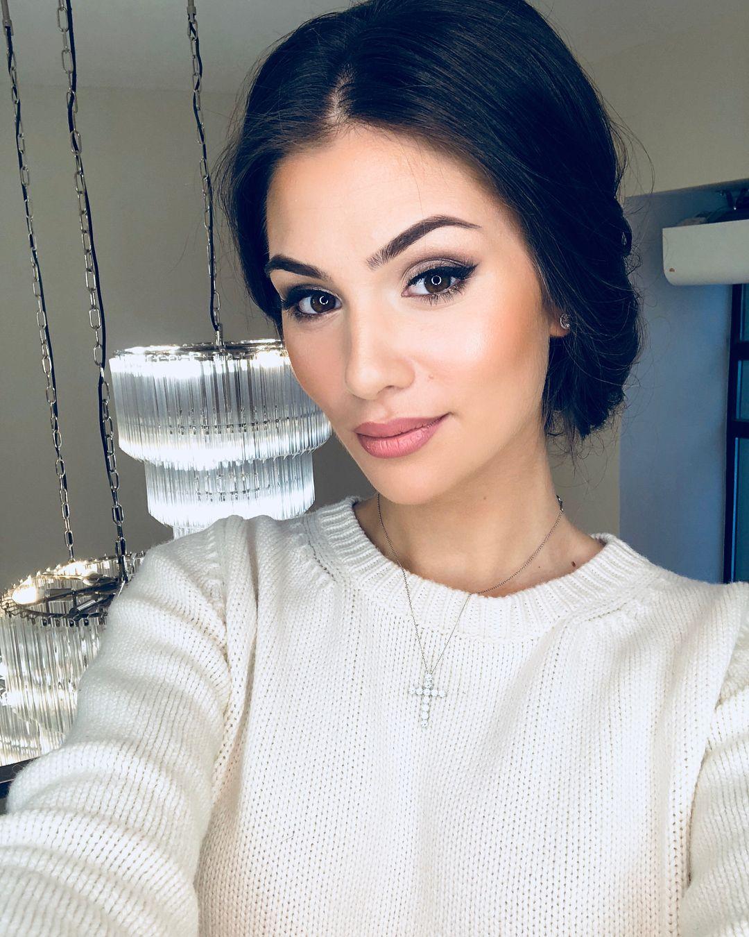 Anastasia-Shubskaya-4