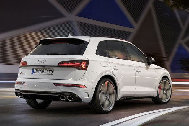 2020 - [Audi] Q5 II restylé - Page 3 10-A09-FA1-50-D4-4-F2-B-819-A-3-AC5-AB76-F734