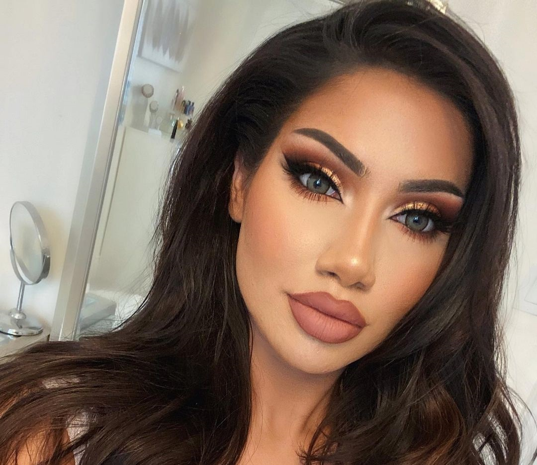 Makeupbyalinna-Wallpapers-Insta-Fit-Bio-14