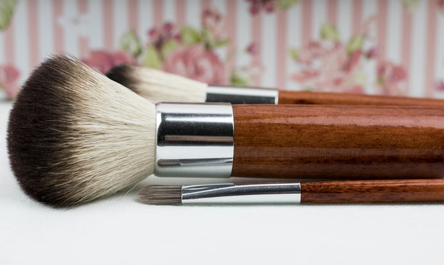 https://i.ibb.co/WKrbLhW/makeup-brush-of-your-private-label-brand.jpg