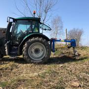 kwiecie-2021-Sadzenie-drzew-i-krzew-w-nektarodajnych-12