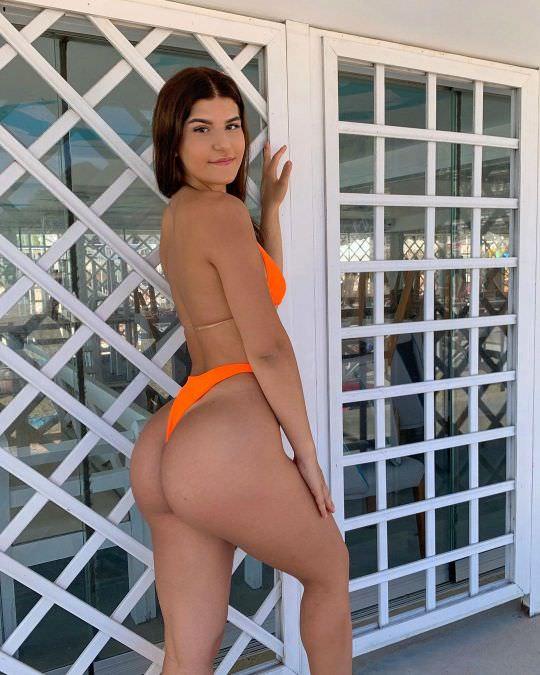 Nicole-Dobrikov-thotseek-com-2020-09-10-01-33-28-2394581733428328326-1622074493