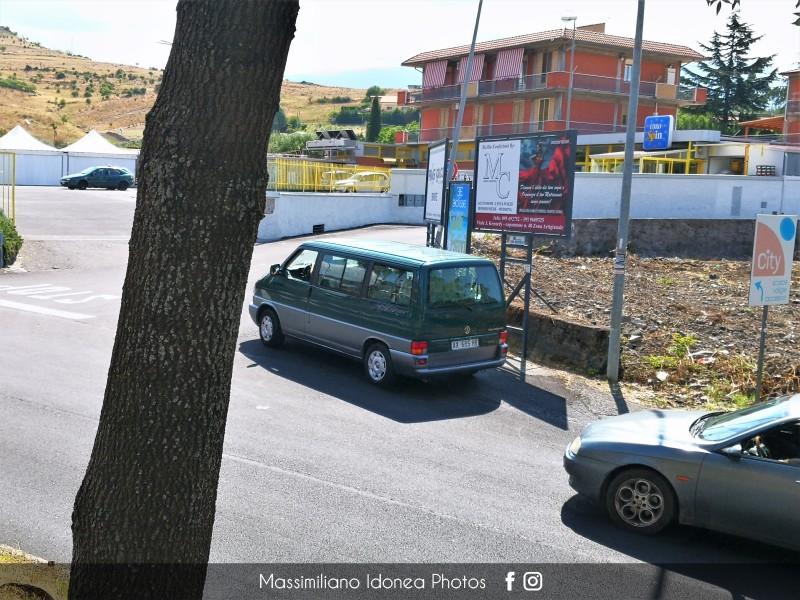 avvistamenti auto storiche - Pagina 32 Volkswagen-Multivan-AX685-HR-20-740-9-7-2018-2