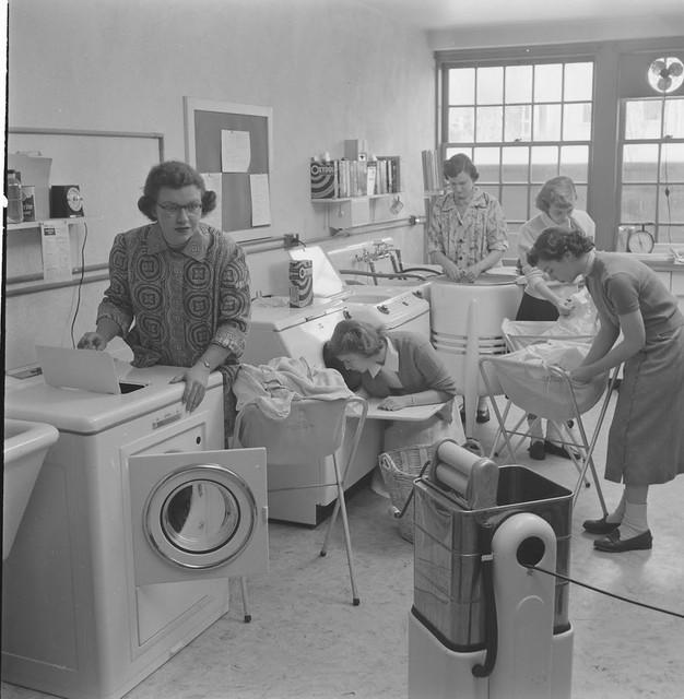 Home-Economics-course-at-Cornell-University-USA-1951-9