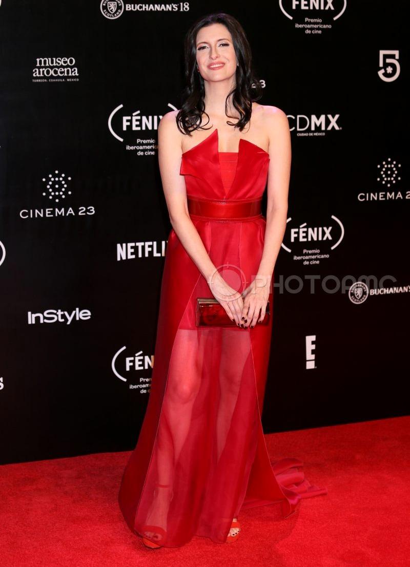 Najlepša haljina crvenog tepiha - Page 18 3-Antonella-Costa